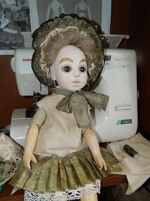 шьем платье для антикварной куклы