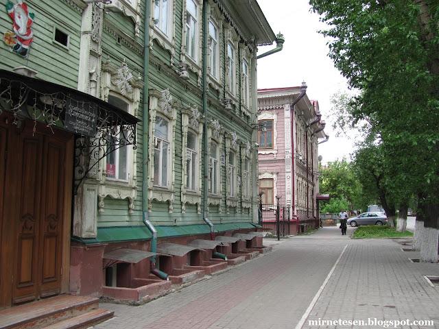 Томск, деревянные дома на улице Гагарина