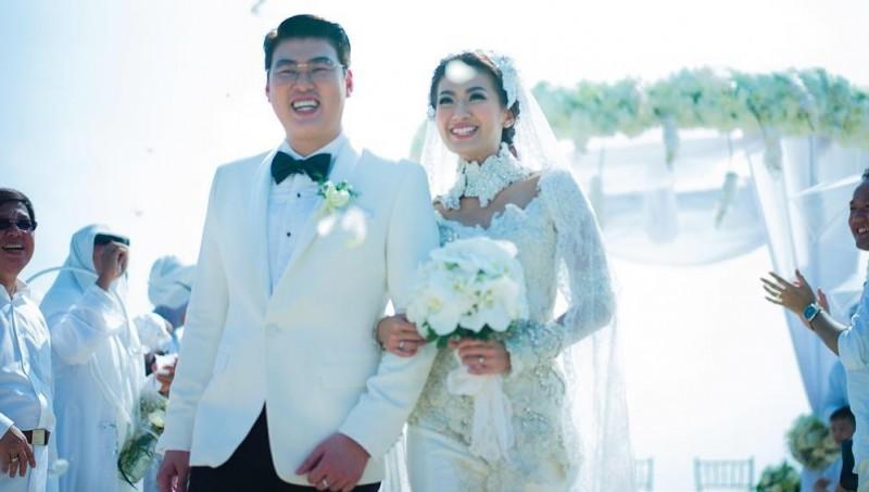 Pernikahan Hendra Suyanto dan Asty Ananta di Nusa Dua, Bali