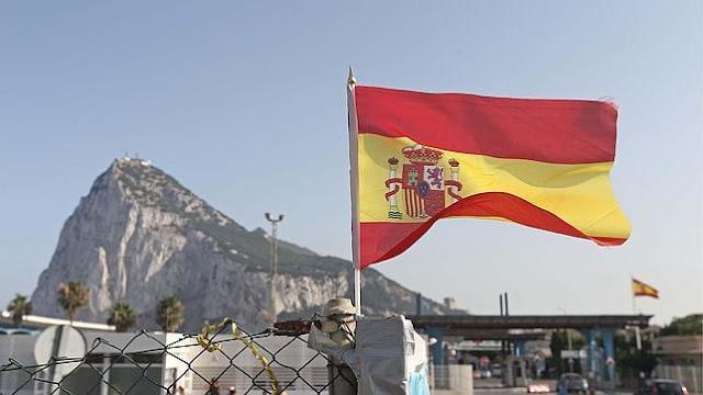 "A vuelapluma. Gibraltar, Gran Bretaña, España y el ""Brexit"