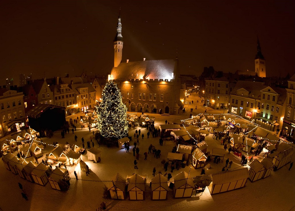 Raekoja Plats (Town Hall Square) - Places to visit in Tallin Old Town.