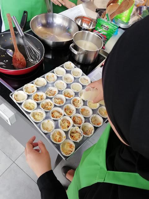 RESIPI MUDAH RINGKAS UNTUK ANAK: Quiche Ayam dan Susu Dugro. Sebelum ini, mummy ada share kan kebab ikan untuk anak. Kali ini, mummy share resipi untuk anak juga iaitu RESIPI MUDAH RINGKAS UNTUK ANAK: Quiche Ayam dan Susu Dugro   RESIPI MUDAH RINGKAS UNTUK ANAK: Quiche Ayam dan Susu Dugro