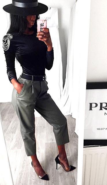 body-velours-pantalon-cuir-kaki