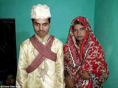 """Woman divorces husband 3 hours after marriage. Husband punished for """"greed"""""""