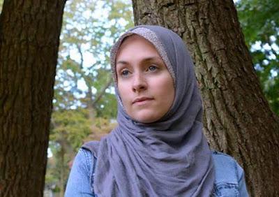 Kisah Mualaf Danielle Loduca: Berhijab, Aku Berpakaian Seperti Bunda Maria