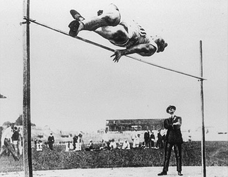 Teknik Dasar Lompat Tinggi Gaya Straddle