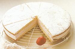 Grietininis tortas su braškėmis