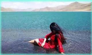 সুন্দরী মেয়েটি যেভাবে লেক 'অপবিত্র' করে দিলো !! Naked Girl At Yamdrok