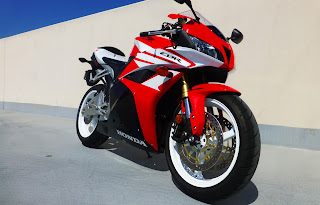 Honda CBR 600RR HD wallpapers