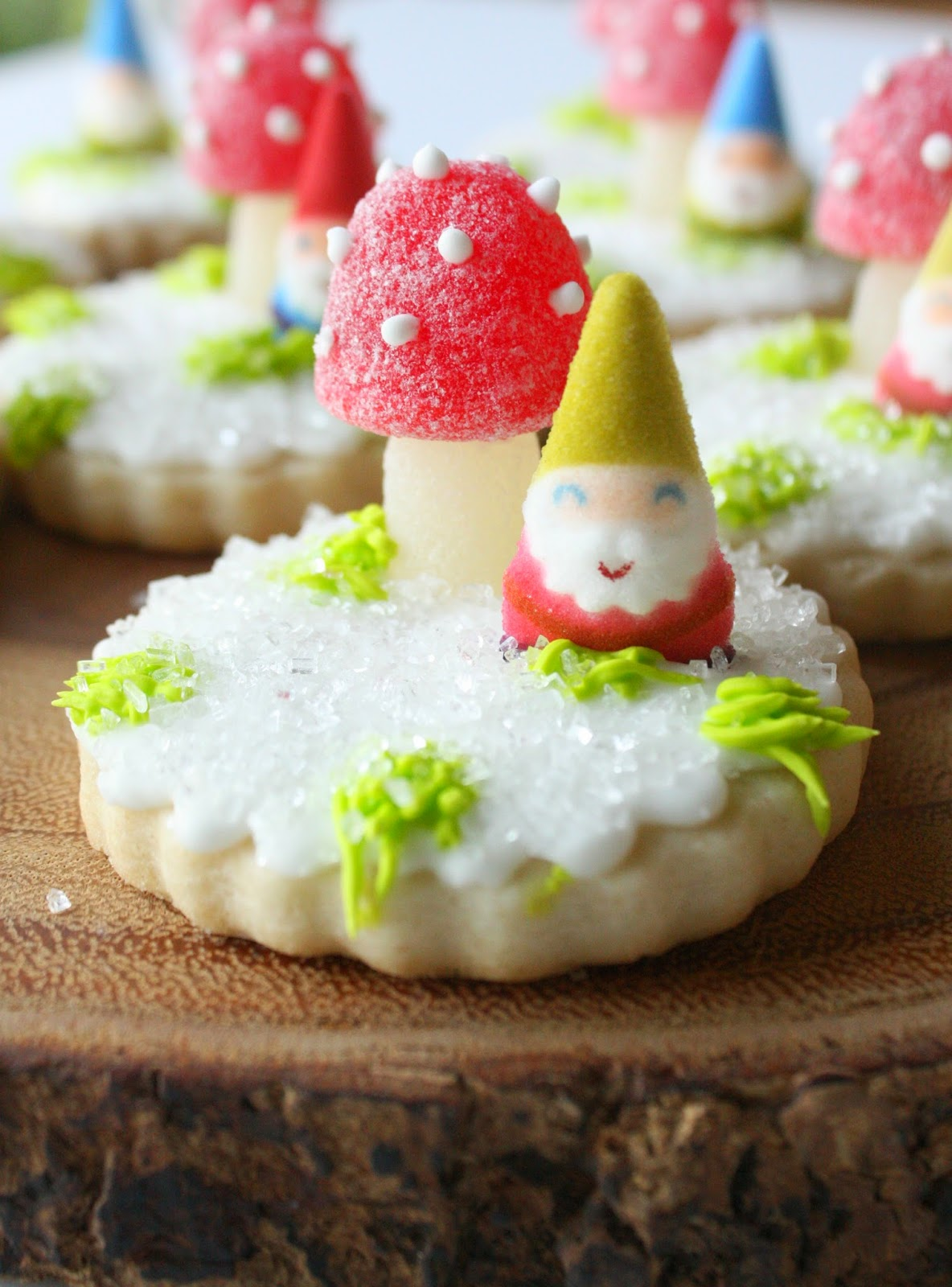 Munchkin Munchies: Snowy Woodland Cookies {With Toadstools