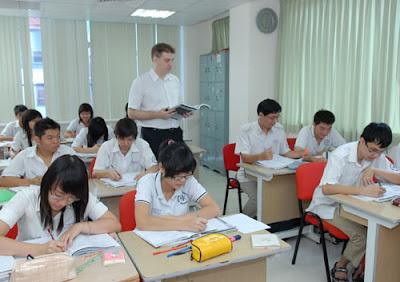 dạy học ngoại ngữ tiếng anh pháp đức nhật hàn hoa