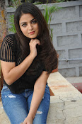 Wamiqa Gabbi stylish photo shoot-thumbnail-7