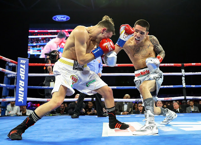 Oscar Valdez KOs. Carmine Tommasone To Retain His WBO featherweight title