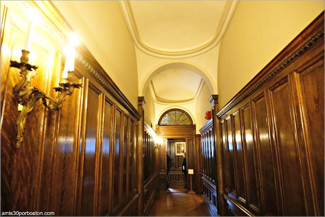 Pasillo Paneles de Madera en Marble House, Newport