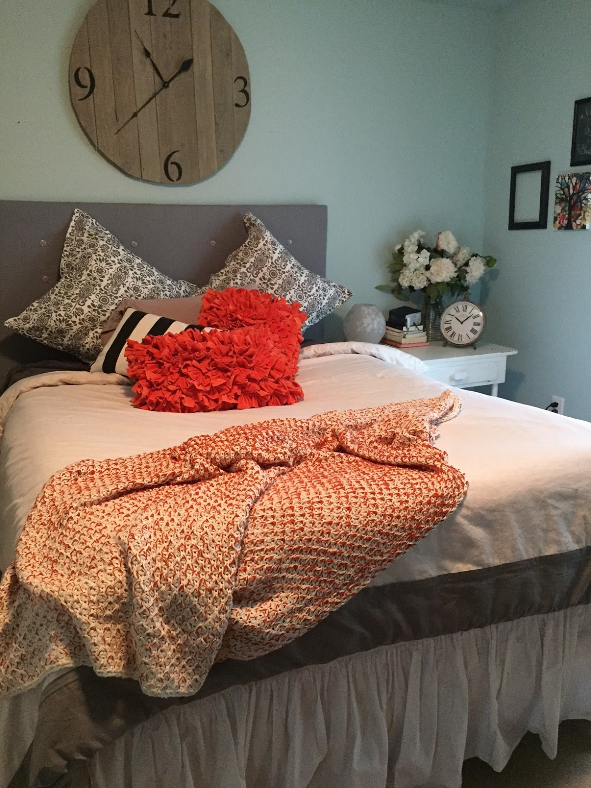 quick and easy headboard tutorial- The Style Sisters, Headboard DIY
