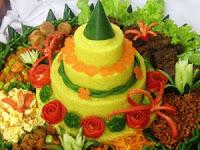 Contoh Nasi Tumpeng sedap dan gurih untuk HUT RI ke 72 tahun 2017