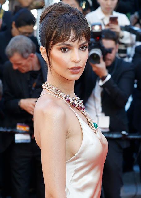 http://www.lush-fab-glam.com/2017/05/cannes-film-festival-2017-best-makeup.html