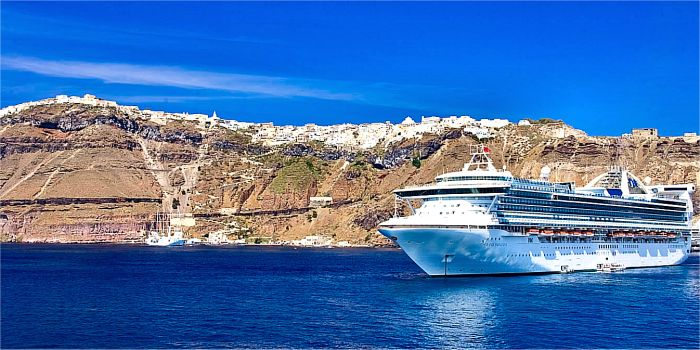 Informazioni e consigli per organizzare un island hopping in Grecia