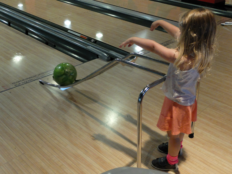 Disney Springs, Walt Disney World, Splitsville, Disney bowling
