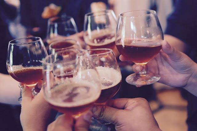 zdjęcie: pixabay/ GUS: spożycie mocnych alkoholi wzrosło w Polsce do 3,3 l na mieszkańca w 2017 r.