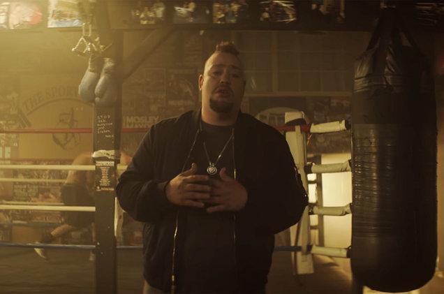 Imagen del videoclip de 'Hold on' de Nano