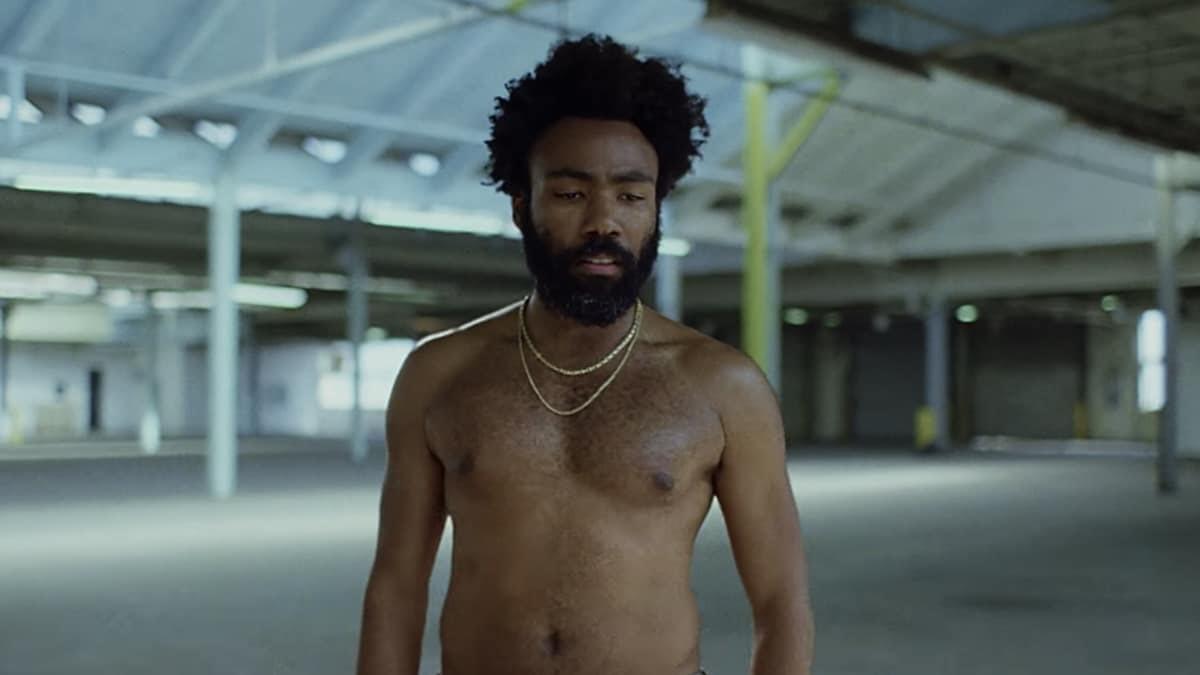 O vídeo foi ao ar durante a participação do artista no SNL, onde ele ainda performou outra música inédita.
