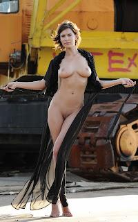 Teen Nude Girl - Suzanna%2BA-S01-007.jpg