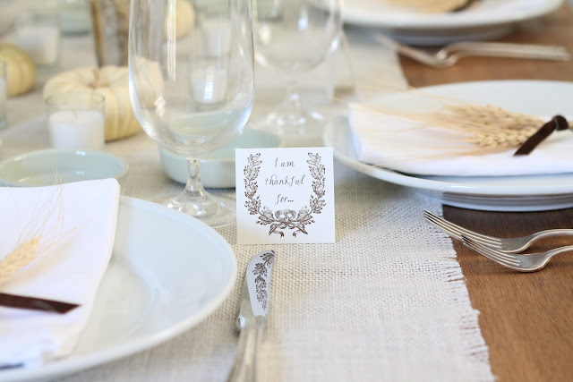 Thanksgiving table setting with free printable Thankful For cards