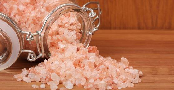Os benefícios do sal rosa do Himalaia - Será que é verdade?