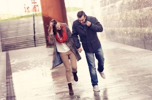 6 Pikiran Cowok Cuek Yang Romantis Dan Manis