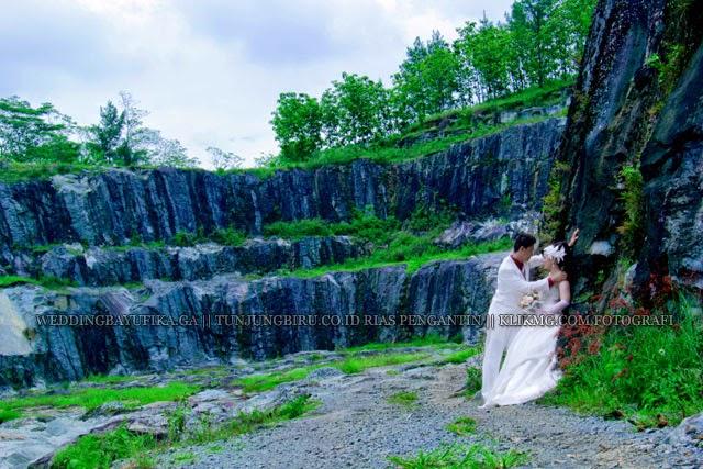 "Prewedding Bayu & Fika [ weddingbayufika.ga ] "" Busana : Bridal & Casual "" karya TUNJUNGBIRU.CO.ID Rias Pengantin & Rancang Busana   Foto oleh KLIKMG.COM [2] Fotografi Purwokerto"