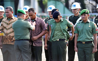 Wujud Nyata Berantas Narkoba di Tubuh TNI, Kodam Bukit Barisan Pecat 21 Prajurit TNI AD, 3 Perwira Secara Tidak Hormat ! - Commando