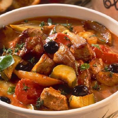 slow cooker lamb goulash