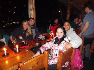Mesa do jantar no passeio ao El Refugio Arelauquen - Bariloche