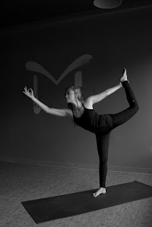 holly king yoga photos