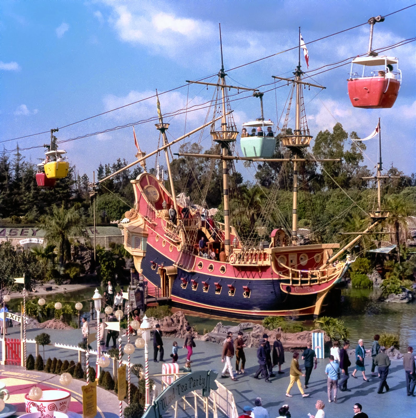 Mickeyphotos Fantasyland In The 60 S With The Chicken Of