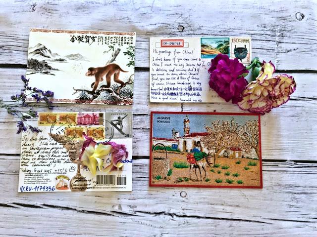 Jak mieć pudełko pełne pocztówek z całego świata? Co to jest postcrossing i jak zacząć przygodę z portalem www.postcrossing.com? Na czym to polega i ile kosztuje wysłanie pocztówki w Polsce za granicę?