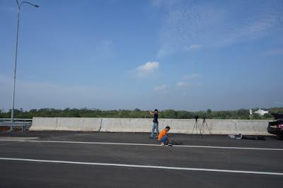 Persiapan Foto Udara dengan Drone di Tol Cipali