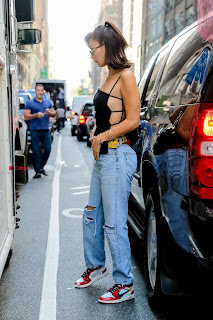 Bella-Hadid-Is-Seen-Out-in-NYC-06+%7E+SexyCelebs.in+Exclusive.jpg