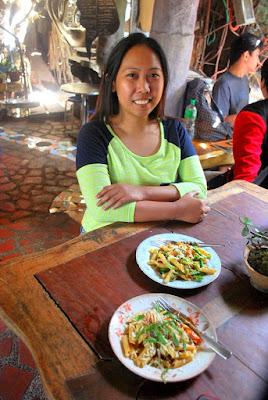 Girl Travel in Ili Likha, Baguio