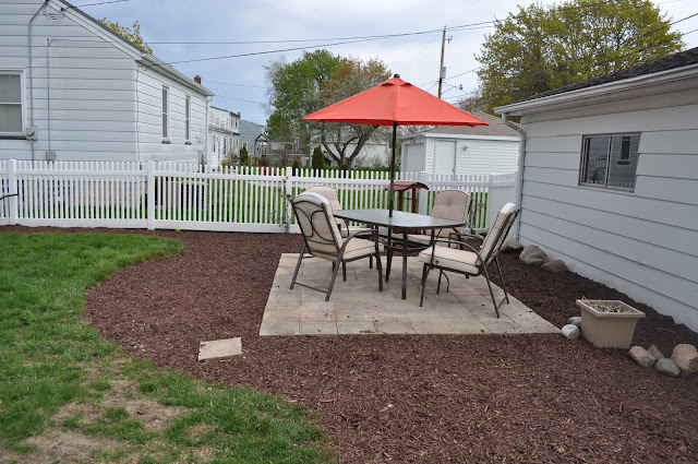 mulch, sod cutter, patio, pavers, DIY, landscaping, reno, pea gravel, dark brown shredded mulch, sand