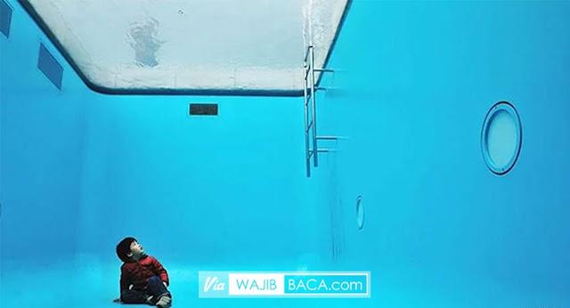 Selfie Underwater Tanpa Takut Basah, Kolam Unik di Jepang Ini Andalannya!