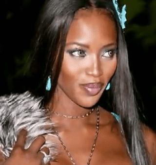 Descripción: 10 Famosos que Usan Lentillas de Contacto - Naomi Campbell