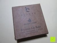 Verpackung: LIPPENPFLEGESTIFT Pfefferminze (4-er Packung) - Lippenpflege mit Kokosnussöl und Vitamin E die trockene Lippen repariert und Feuchtigkeit verleiht. 100% aus natürlichem Bienenwachs Lippenbalsam. Hergestellt in USA von Beauty by Earth