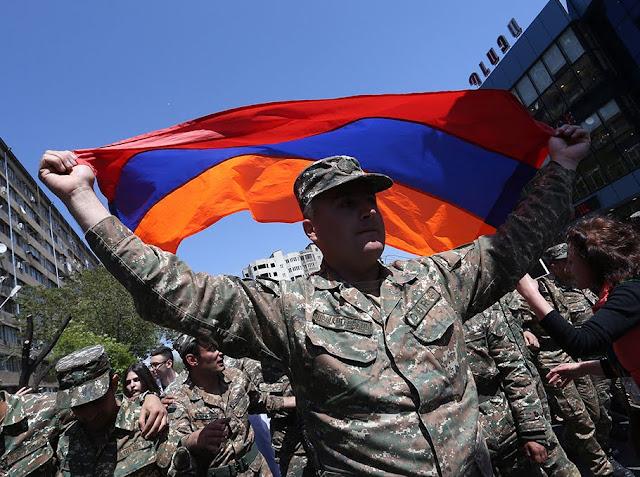 El líder opositor armenio Nikol Pashinyan fue liberado