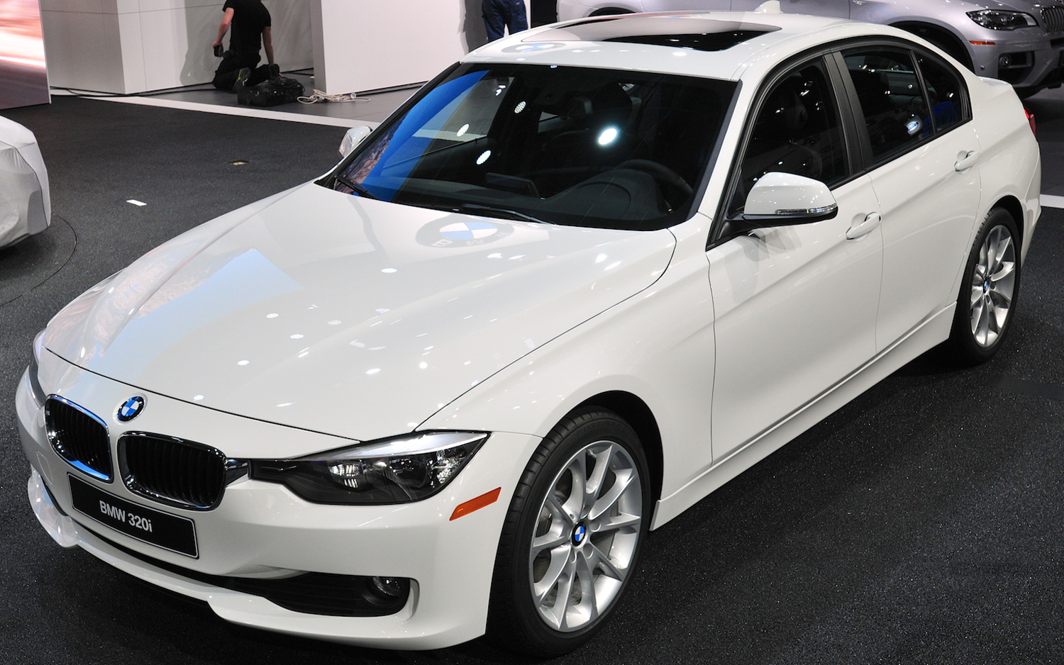 2013 BMW 320i Packs 180-HP Turbo | New cars reviews