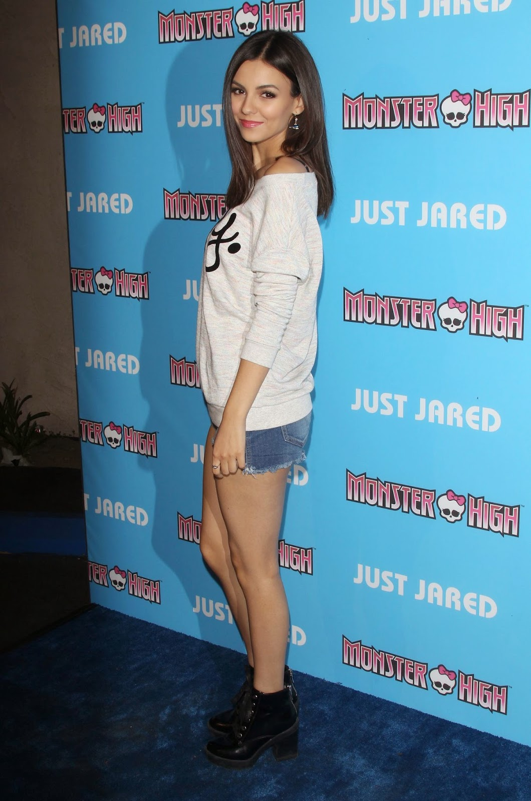 Victoria Justice shows off legs at the Just Jared Throwback Thursday Roller Skating Party in LA