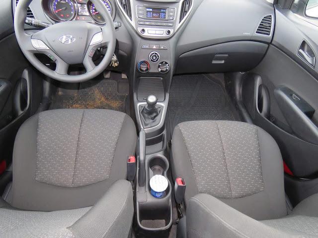 Hyundai HB20 2016 - inteiror - painel