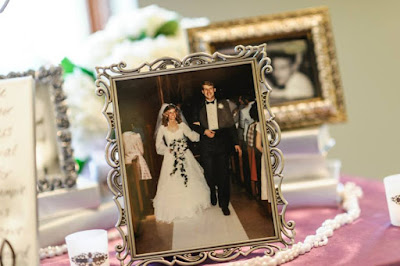 Twins in the Cities Personalize Your Wedding with Photos
