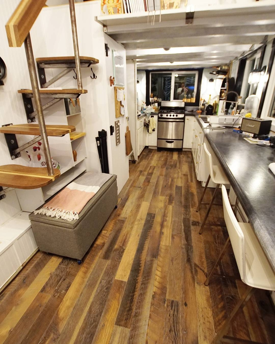 02-Kitchen-and-Dining-Area-Joshua-Shelley-Engberg-Cut-Excess-Architecture-with-a-Tiny-House-on-Wheels-www-designstack-co